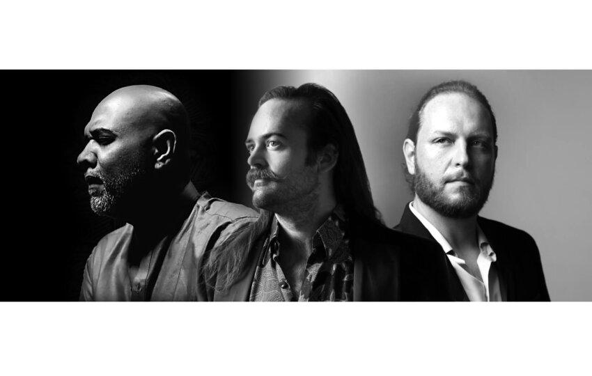 AM Horiz Trio 2smallB
